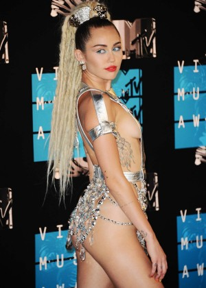 Miley Cyrus: 2015 MTV Video Music Awards in Los Angeles [adds]-85